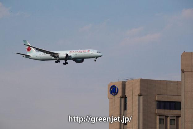 成田空港周辺にて、着陸前のエアカナダのボーイング787
