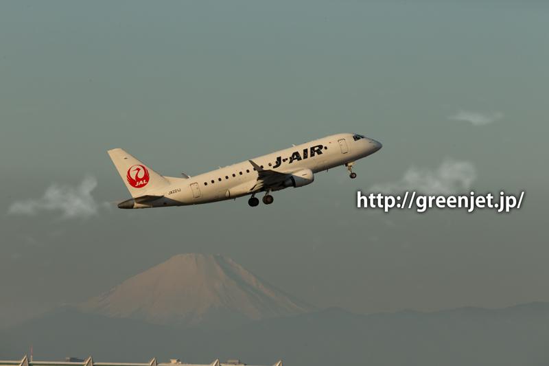 羽田で撮影したJ-AIRのエンブラエル ERJ-170-100