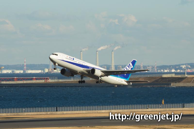 羽田で撮影したANAのボーイング767