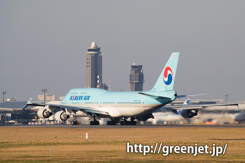大韓航空のジャンボジェット(ボーイング747-4B5)@畑ポイント