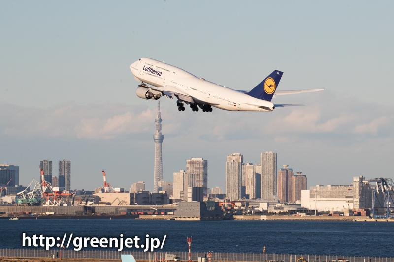 ルフトハンザドイツ航空のジャンボジェット with 東京スカイツリー