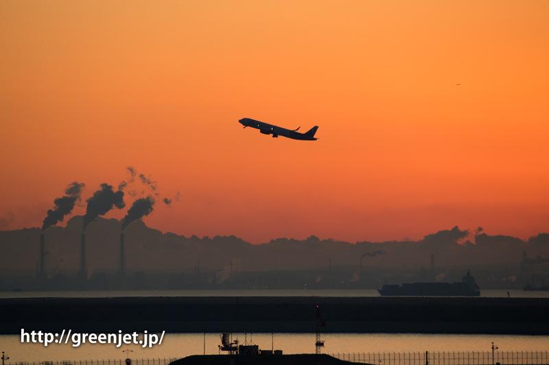 朝焼けとエア・ホンコンのエアバスA320@羽田