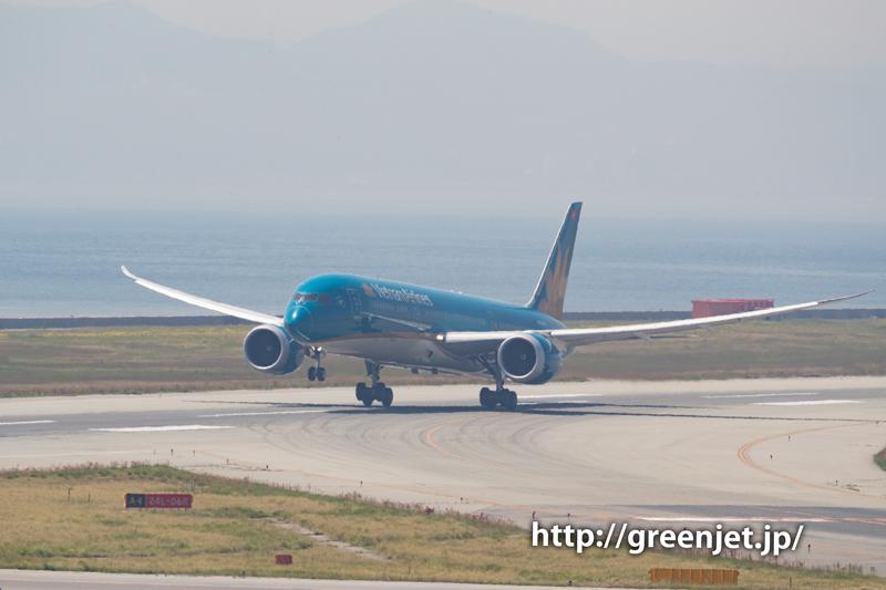 ベトナム航空のB787の迫力の離陸@関空