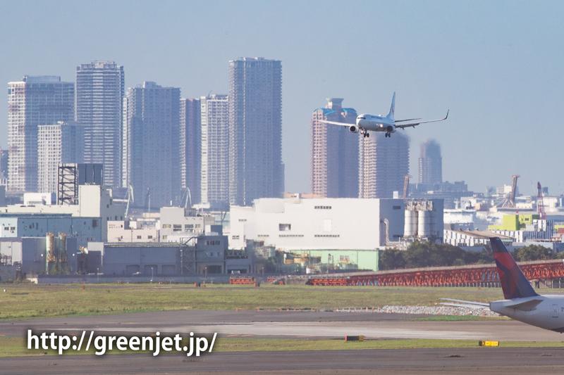 超高層ビルと飛行機@羽田