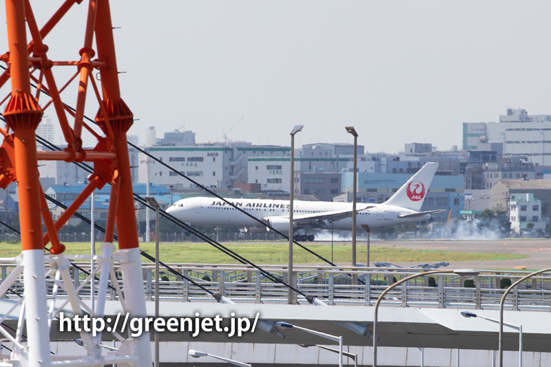 JALのB767@羽田空港第二ターミナル駐車場