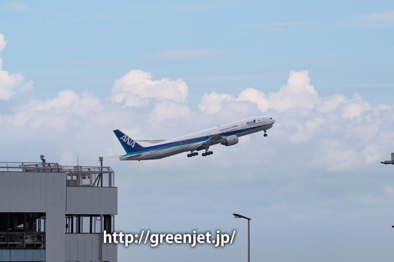 ANAのB777@羽田空港第一ターミナル駐車場