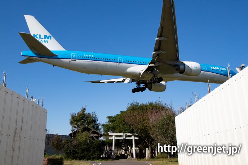 KLMのB777を東峰神社前で捉えたぞっ!