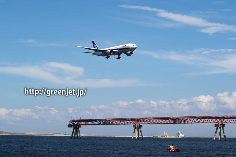 羽田の海上からANAのB777を捉える!