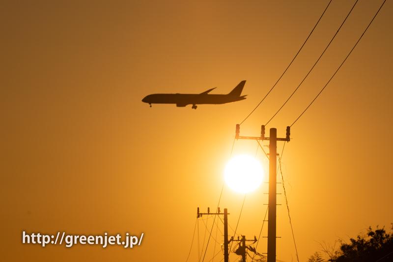 夕陽と飛行機@野球場ポイント~成田