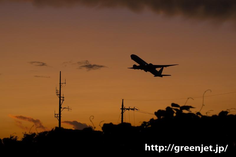 成田 航空博物館付近で撮る夕焼けと飛行機
