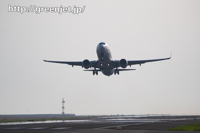 宮崎のアスファルトを蹴り飛行機が飛ぶっ!