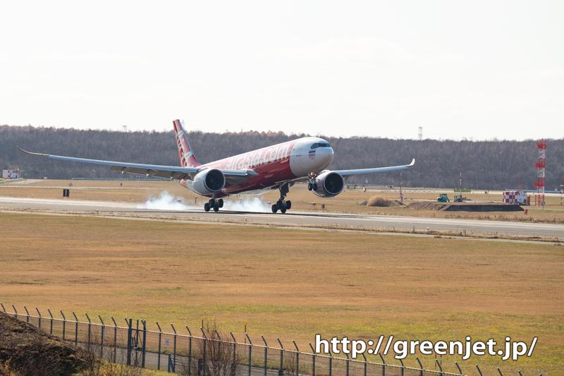 エアアジアのA330neoを新千歳で撮る
