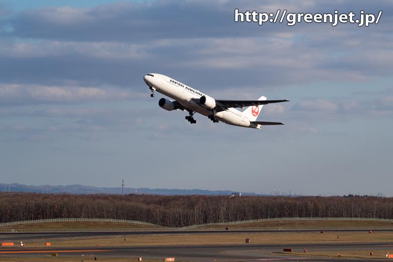 新千歳空港の展望デッキで捉えるB777!
