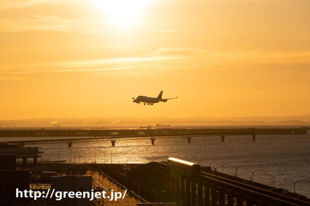 朝焼けとタイジャンボ@羽田国際ターミナル