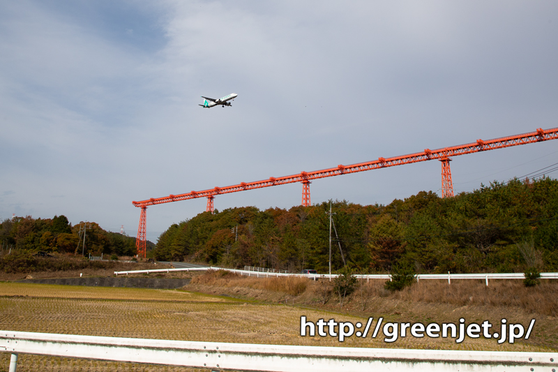 【広島の飛行機撮影ポイント】RWY10エンドの進入灯周辺