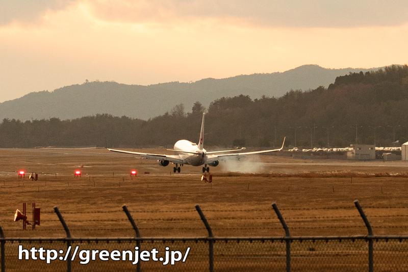 【岡山の飛行機撮影ポイント】RWY25南側の高台