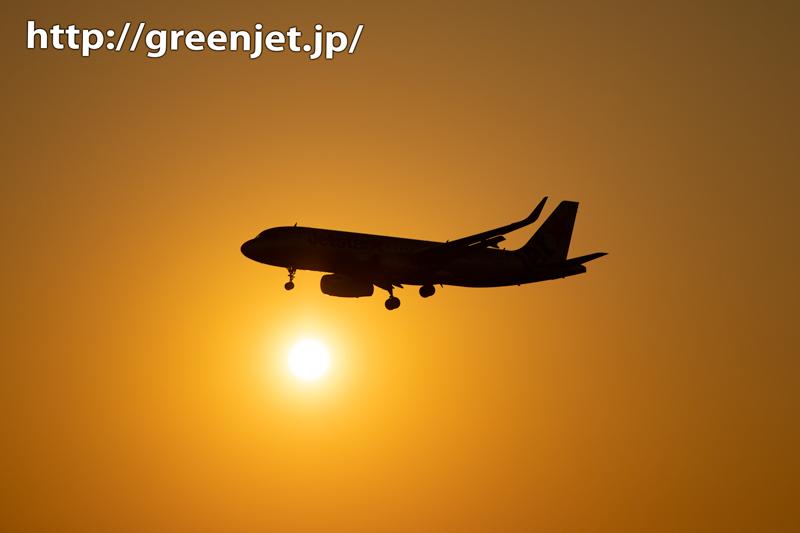 夕日と絡む飛行機写真は何でこんなに美しい