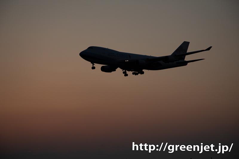 夕日が沈んだグラデーションと飛行機~成田