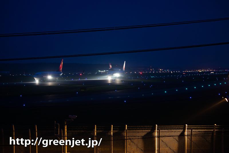 夜の飛行機ラッシュアワー@成田