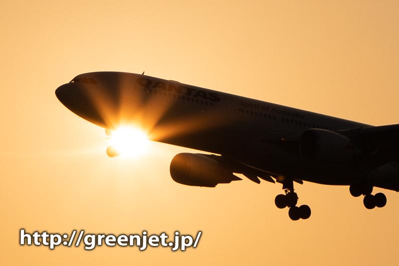 夕暮れ時の飛行機~ここから光の光芒