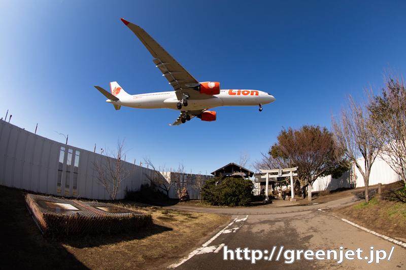 東峰神社~フィッシュアイで飛行機を撮ると