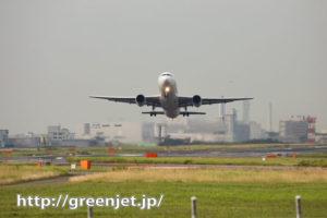 羽田で正面から飛行機を撮る気持ち良さ!