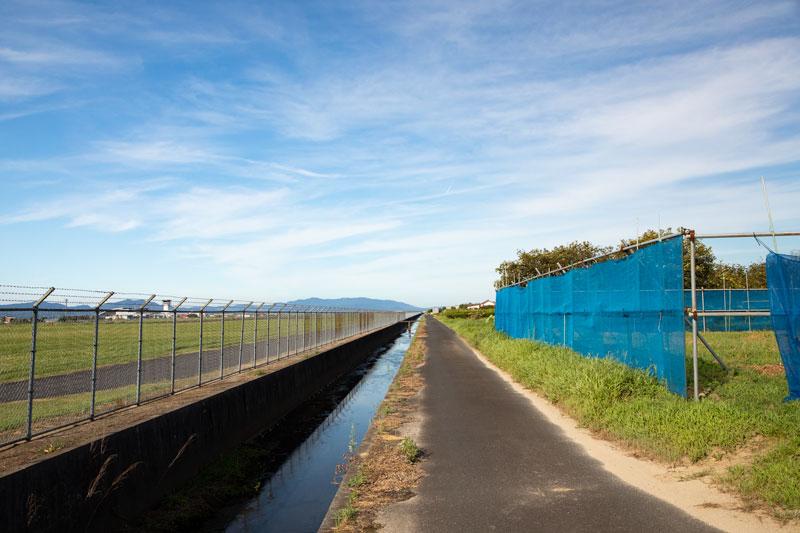【出雲の飛行機撮影ポイント】滑走路南側の農道