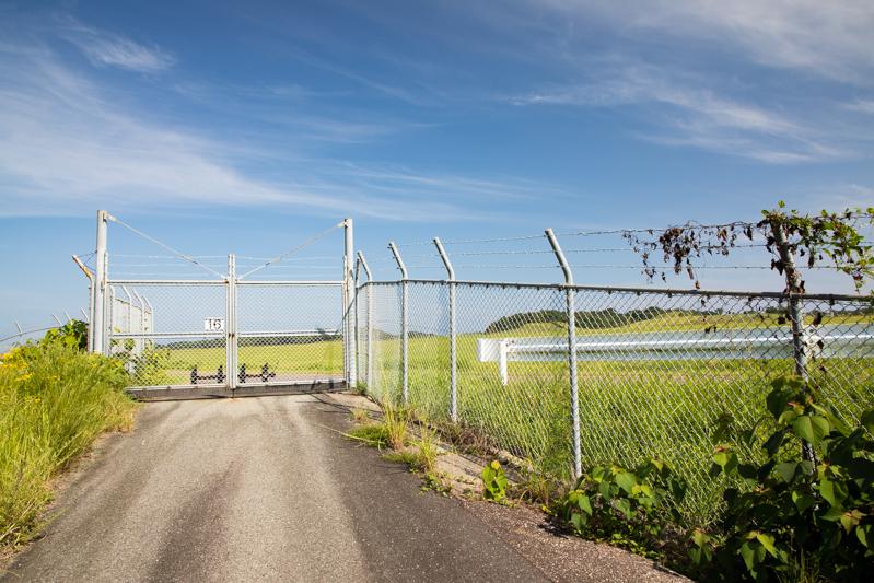 【萩・石見の飛行機撮影ポイント】滑走路南側ゲート前