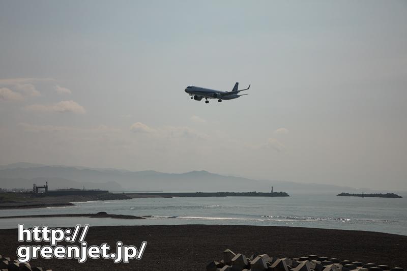 逆光のキラキラ海と飛行機@高知