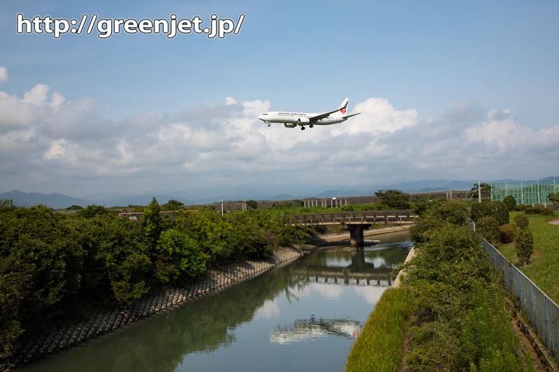 高知でこんなシンメトリーの飛行機写真!