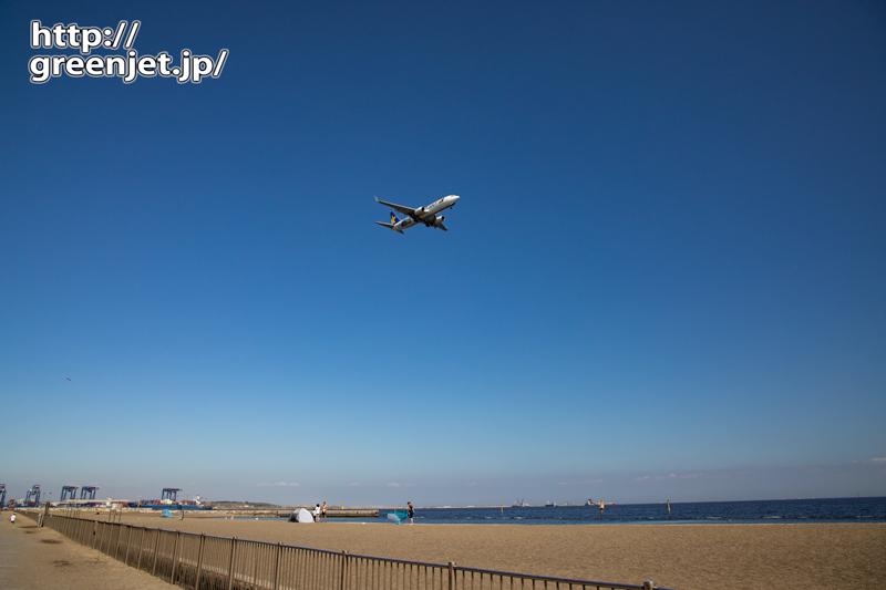 城南島の浜と海と飛行機