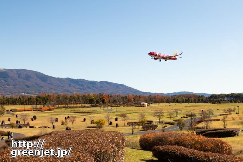 松本のRWY36エンドで撮る飛行機
