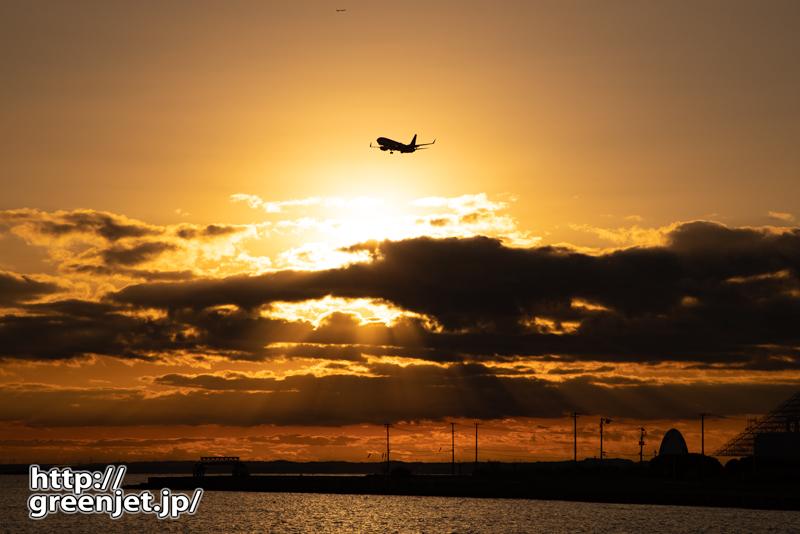羽田で飛行機~浮島の夜明け
