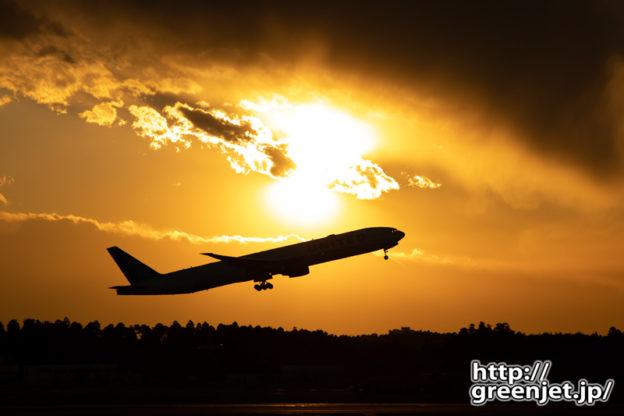 成田で飛行機~これは貴重!夕陽とトリプル