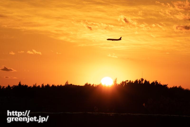成田で飛行機~BランからAランの夕景を