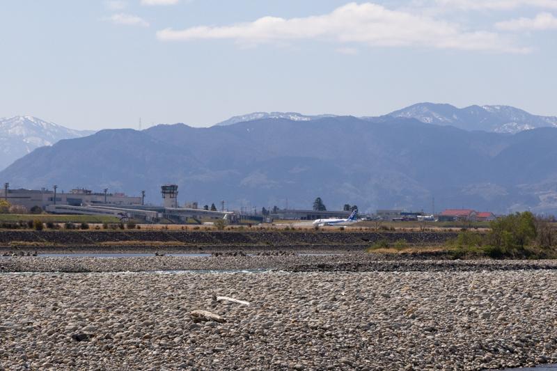 【富山の飛行機撮影ポイント】神通川河川敷